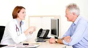 Врача должны посетить пациенты, относящиеся к группе риска