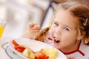 Особенности кормления детей