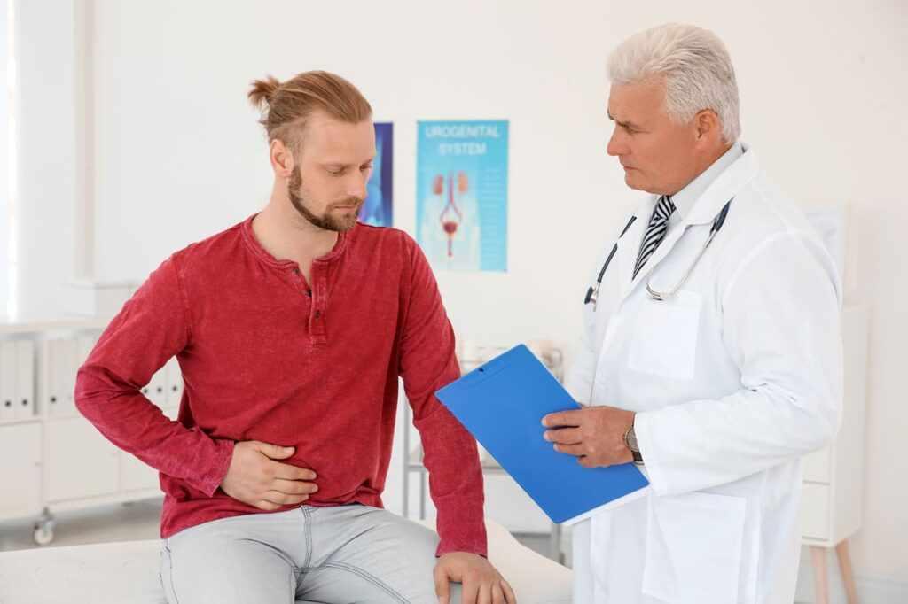 Пациент у врача-уролога