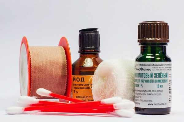 Йод и зеленка в лечении фурункулеза