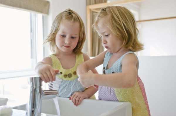 Мытье рук - профилактика вируса Коксаки