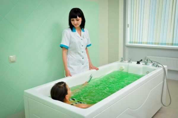 Принятие лечебных ванн