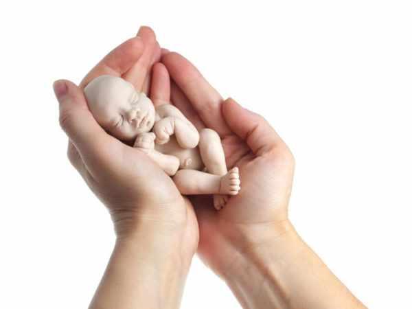 Нужно ли делать аборт при кори?