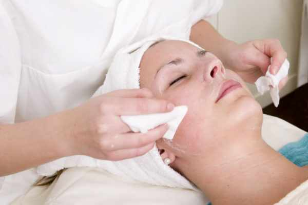 Аппаратные методы очищения кожи лица