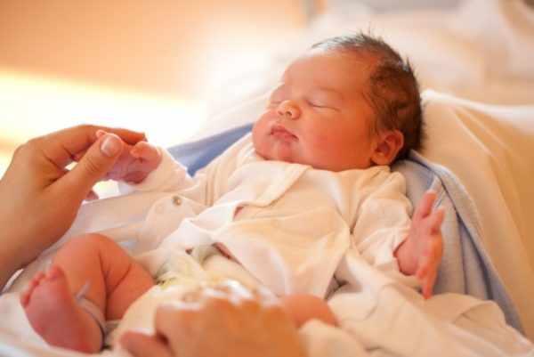 Новорожденный ребенок и корь