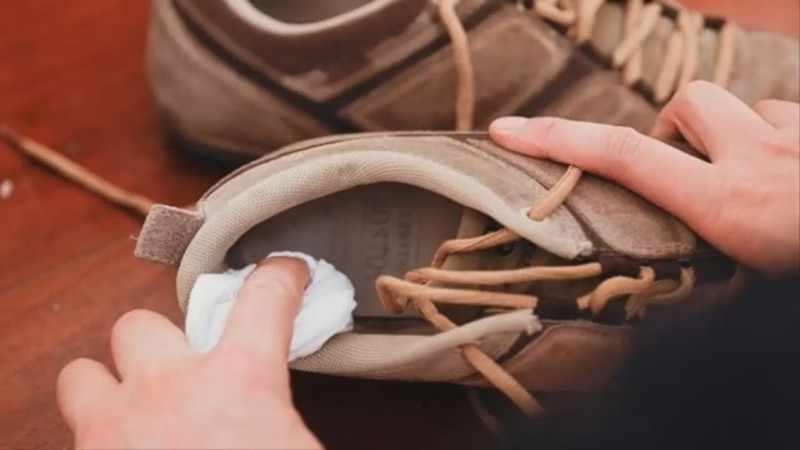 Протирка обуви перекисью водорода